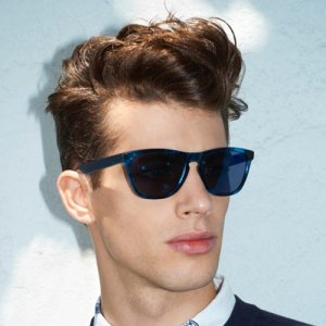 Mens-Hairstyles-for-Curly-Hair-Jamie-Wise