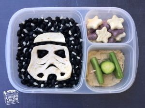 Why-I-Make-Fun-Character-Bento-Lunches-For-My-Kids4__700